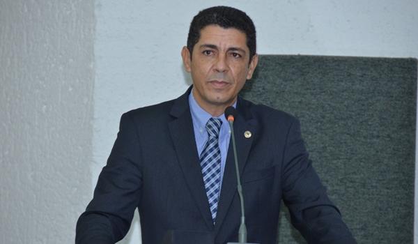 Valdemar Jr diz que discussão sobre emancipação de Luzimangues deve ser adiada