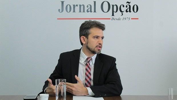 """""""O prefeito está sendo pressionado pelo partido"""", afirma Henrique Alves"""