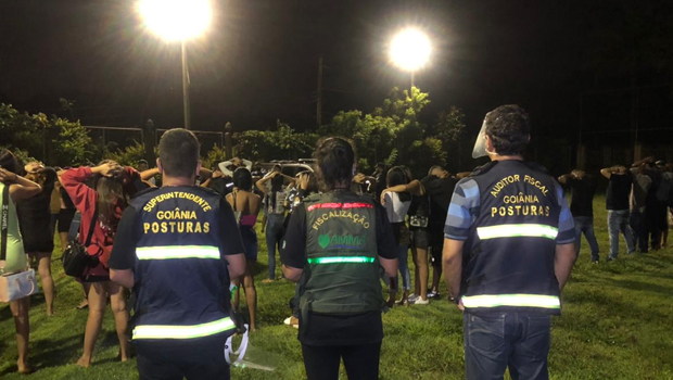 Fiscalização da Covid-19 interrompe duas festas clandestinas em Goiânia