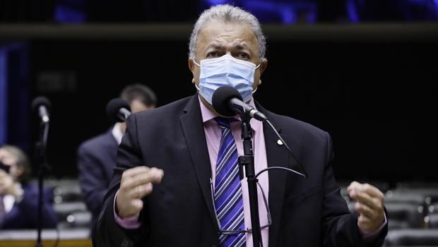 Deputados do PSB vão ao STF contra decisão de Lira em poupar Braga Netto