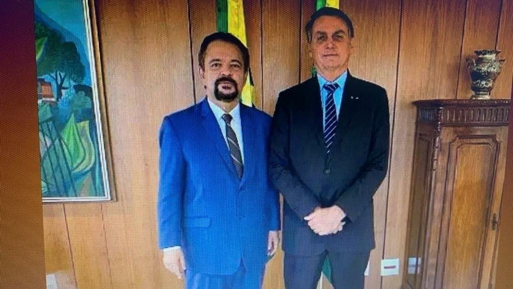 Bolsonaro sugere ao apóstolo César Augusto que Mendonça vai ser ministro do STF