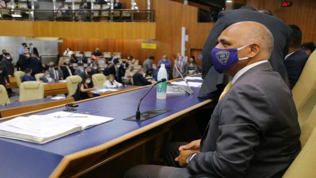 Sem MDB na Prefeitura, Rogério Cruz consegue construir sua própria base de apoio