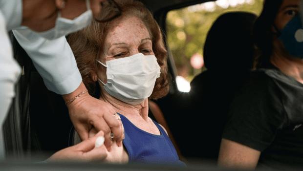 Anápolis inicia imunização contra Covid-19 em idosos acima de 61 anos