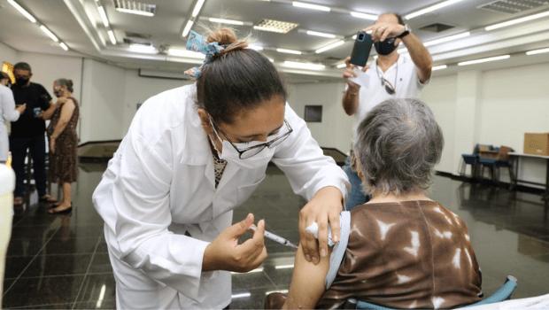 Prefeitura de Goiânia realiza o Dia D da vacinação contra covid-19 neste sábado, 15
