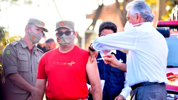 Ministro do STF suspende decisão que permitia vacinação dos profissionais de segurança pública em Goiás