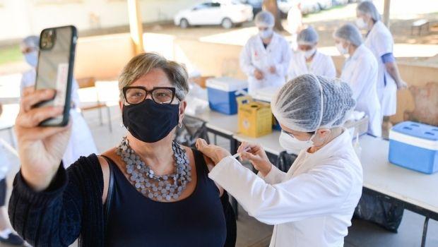 Goiânia ultrapassa 607 mil doses contra a  COVID-19 e amplia postos de aplicação