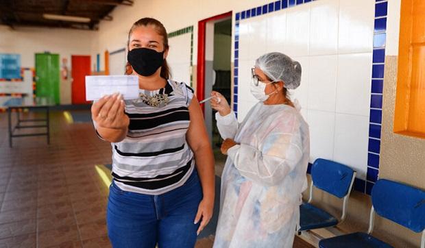 Goiânia abre três pontos de vacinação nesta quinta-feira, 24