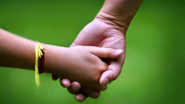 Goiás tem 94 crianças aptas para adoção, mas 75% dos adotantes não querem maiores de 5 anos