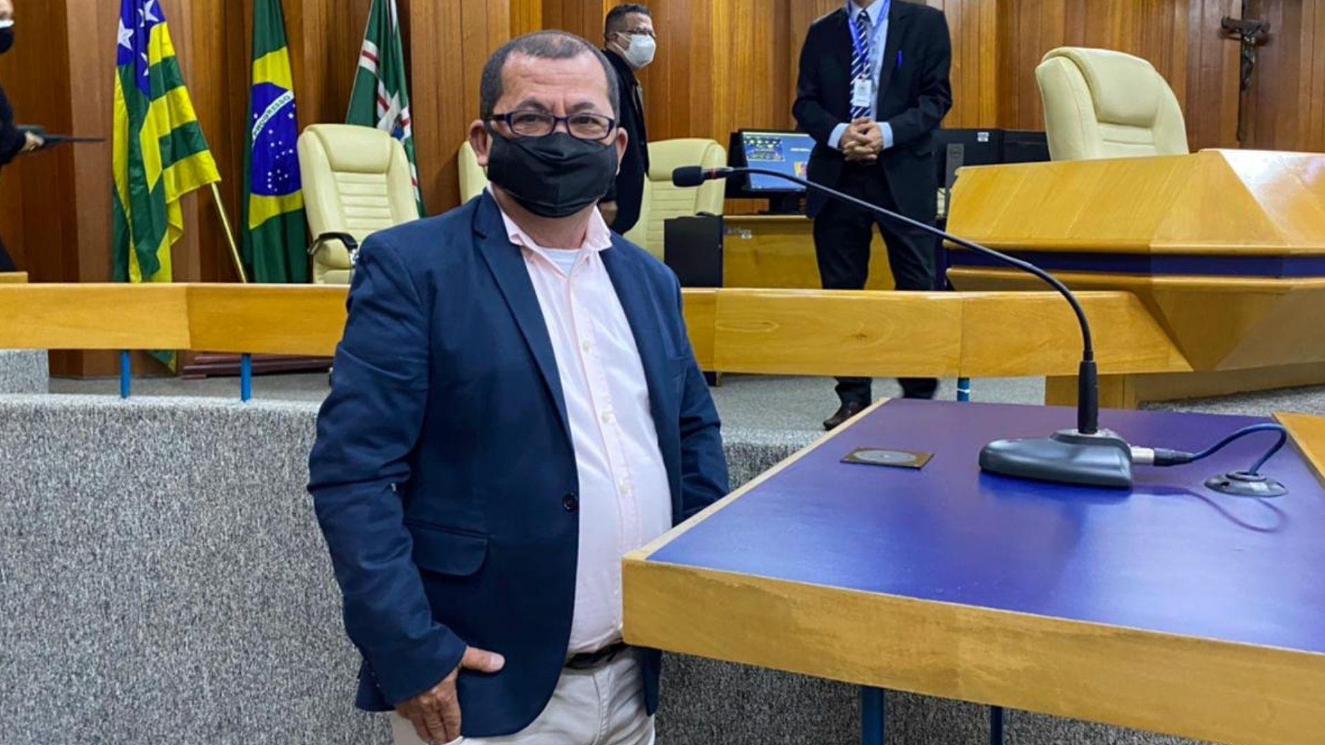Suplente Jaiminho Monteiro toma posse como vereador por Goiânia