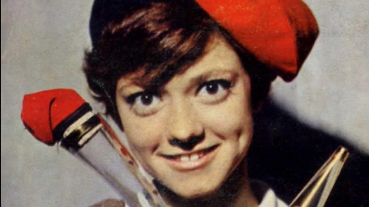 Rita Pavone, cantora italiana, foi uma estrela internacional