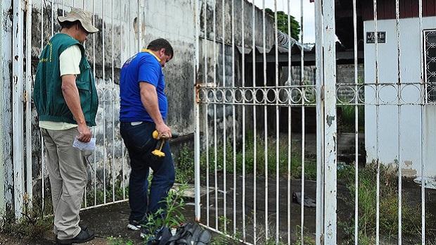Imóveis fechados em Goiânia são alvo de agentes de combate à dengue