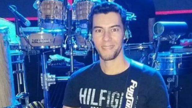 Polícia procura por cantor desaparecido que fez dupla com Cristiano Araújo