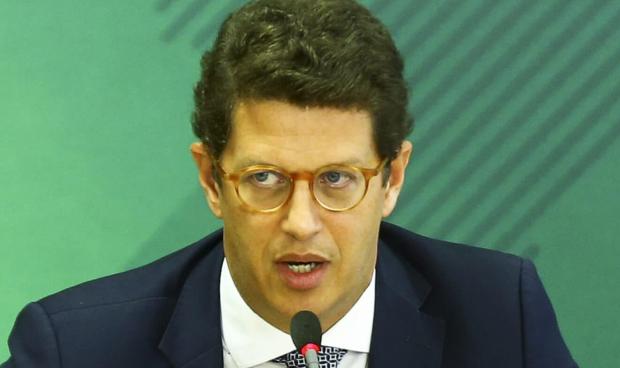 Ministro Ricardo Salles pede demissão