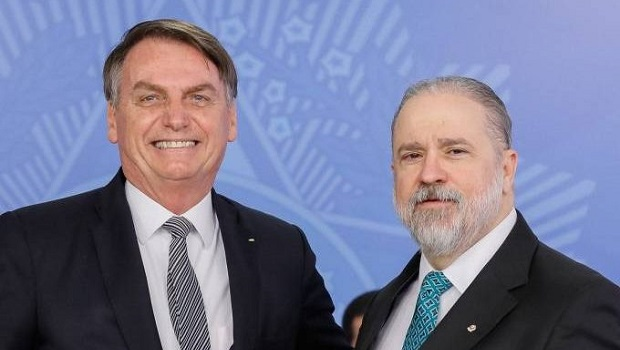 Bolsonaro indica Augusto Aras para novo mandato à frente da PGR