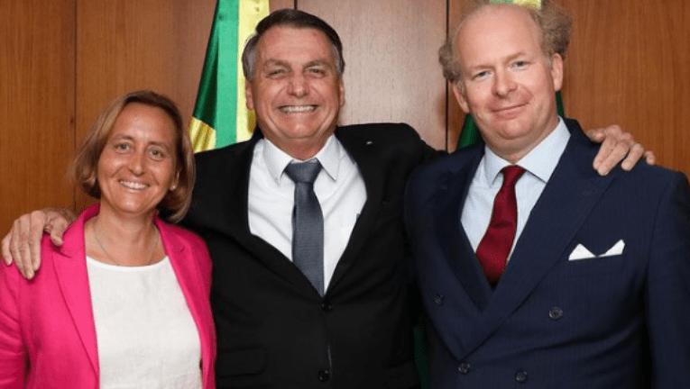 """Bolsonaro """"ignora"""" que nazismo alemão matou mais de mil brasileiros, entre civis e militares"""