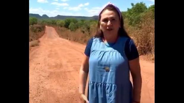 Kátia Abreu reclama da situação de trecho da TO-010