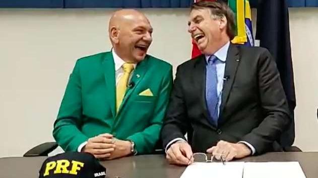 Luciano Hang aparece em 1º lugar pro Senado em Santa Catarina. Bolsonaro lidera