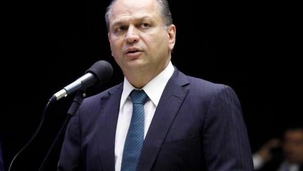 Suspeita de propinas na Saúde de até R$296 mil mensais é novo alvo da CPI da Covid