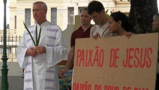 Após ser hostilizado por bolsonaristas durante missas, padre deve entrar em programa de proteção