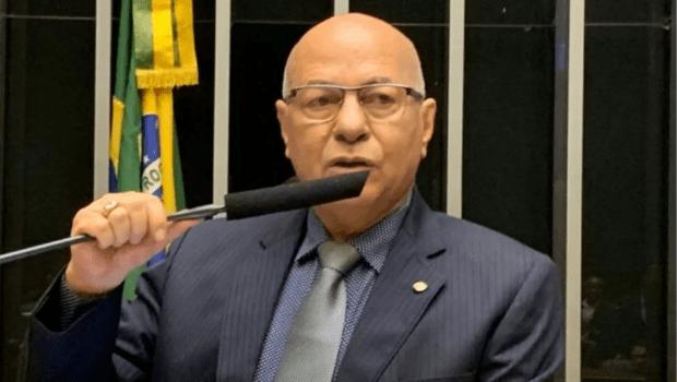 TRE cassa diploma Prof. Alcides por movimentação irregular de fundo eleitoral