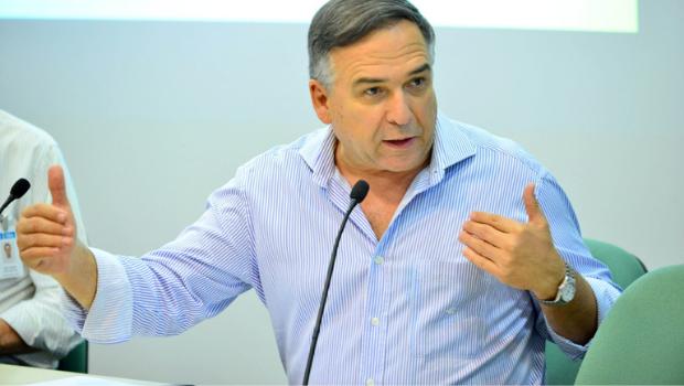 Taxa Selic aumenta e isso dificulta retomada de investimentos na economia, diz Fieg