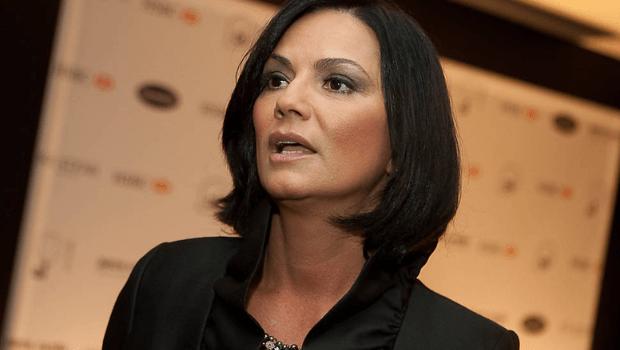 Luiza Brunet chega em Goiânia para promover ações de direitos das mulheres