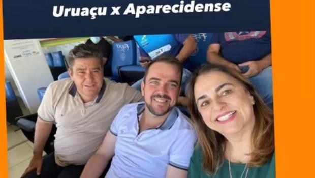 Gustavo Mendanha assiste jogo acompanhado de líderes tucanos