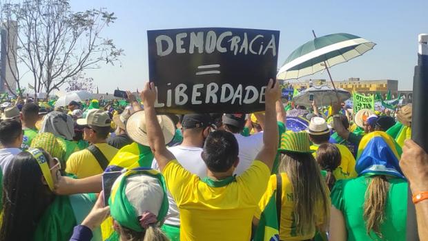 7 de Setembro e nota por diálogo entre Poderes fortaleceram Bolsonaro, creem apoiadores