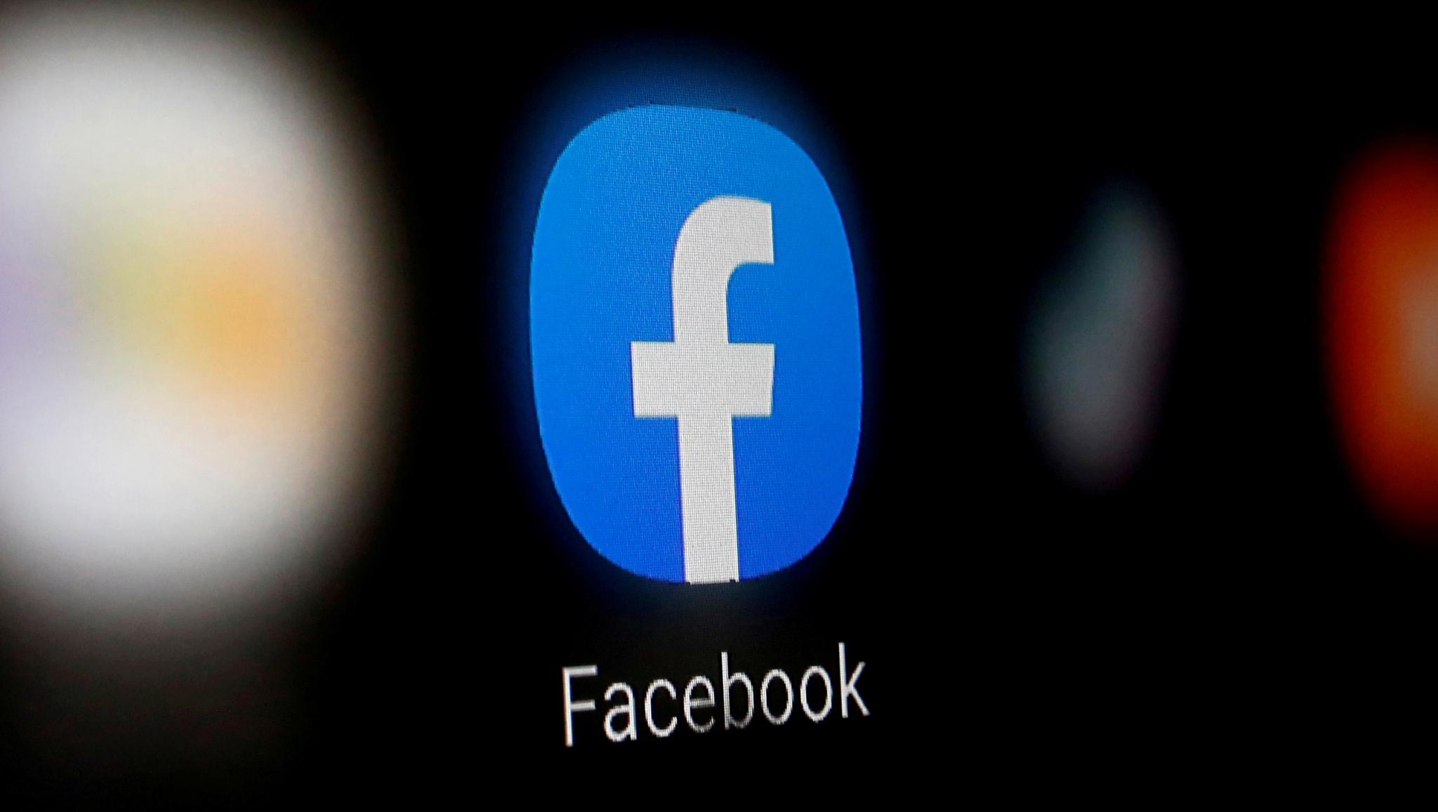 Facebook oferece migalhas e a mídia brasileira festeja