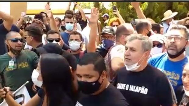 Quilombolas e empresários fazem protesto contra concessão do Jalapão