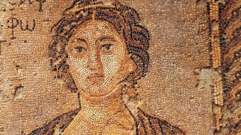Safo de Lesbos foi a primeira musa homossexual da civilização ocidental