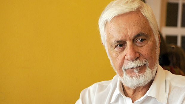 Responsável pelo Plano Real polemiza ao dizer que, se Bolsonaro é risco à democracia, Lula é risco à economia