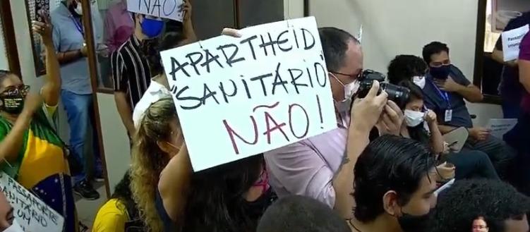 Discussão sobre passaporte da vacina tem intervenção de populares na CCJ da Câmara de Goiânia