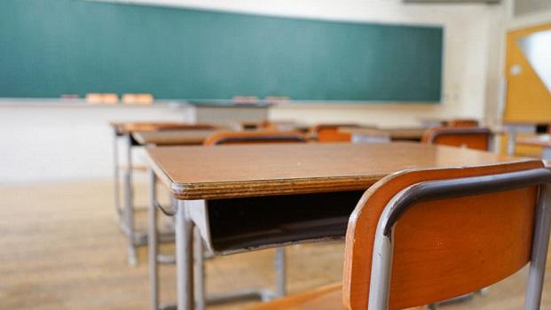 """Justiça nega pedido de aluna para retornar ao cursinho depois de ser expulsa por xingar o professor de  """"pamonha"""""""