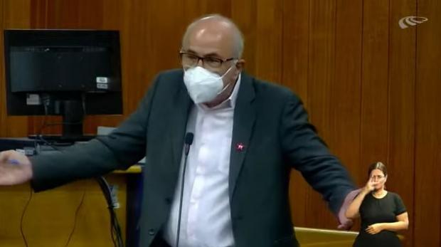 Mauro Rubem cobra data base de Rogério Cruz na Câmara