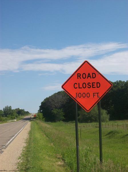 roadclosed-1000