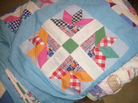 Antique-Quilt-with-solids