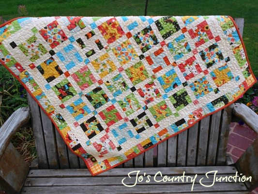 Friday Finish: Pinwheel Pizzazz Baby Quilt and Tutorial