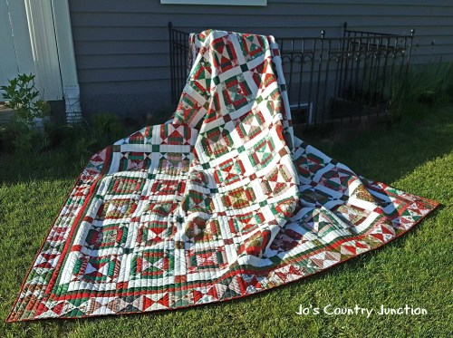 Jingle-Bell-Square-Quilt-1