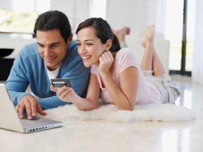 En las compras realizadas por internet, el comprador tiene derecho a devolver lo comprado en el plazo de al menos catorce días naturales