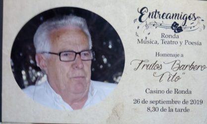Tito homenaje