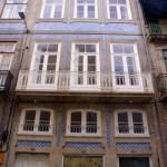 apartamentos e comércio em edifício reabilitado
