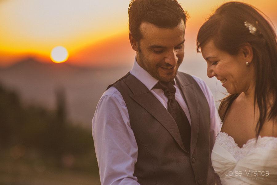El atardecer en una fotgrafía de post boda