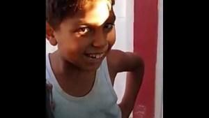 Treball amb l'ombra i nen interior a Sabadell