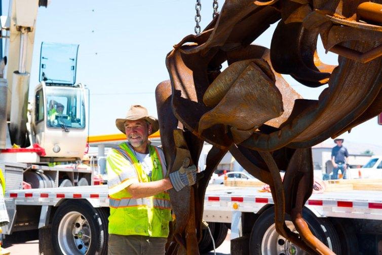 Fichter-installing-stallion-sculpture-w