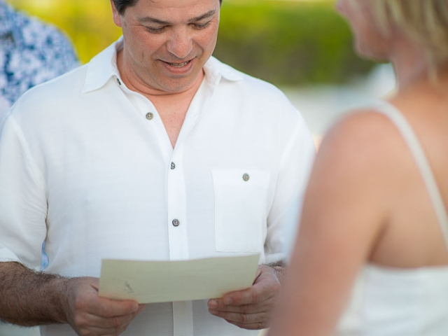 BC8A6039 640x480 c - Cayman Islands Vow Renewal
