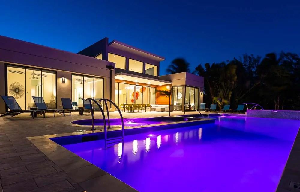 BC8A9726 - White Dahlia Real Estate