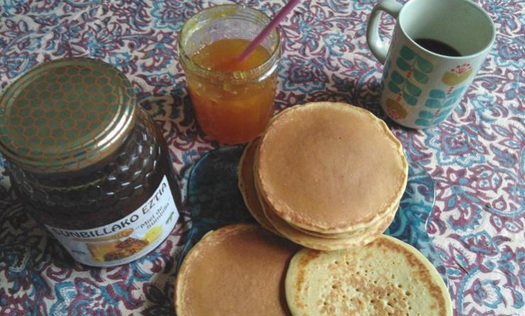 La recette simple et rapide pour déguster des pancakes fait maison.