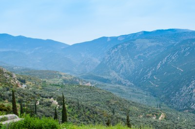 The  road to Delphi.