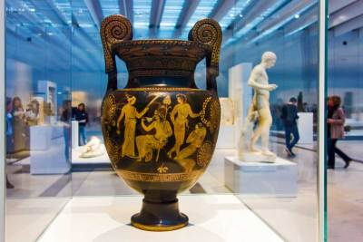 Luciana (current Italy), 380 B.C., Crater (vase) with Volutes., Musee du Louvre, Paris, France